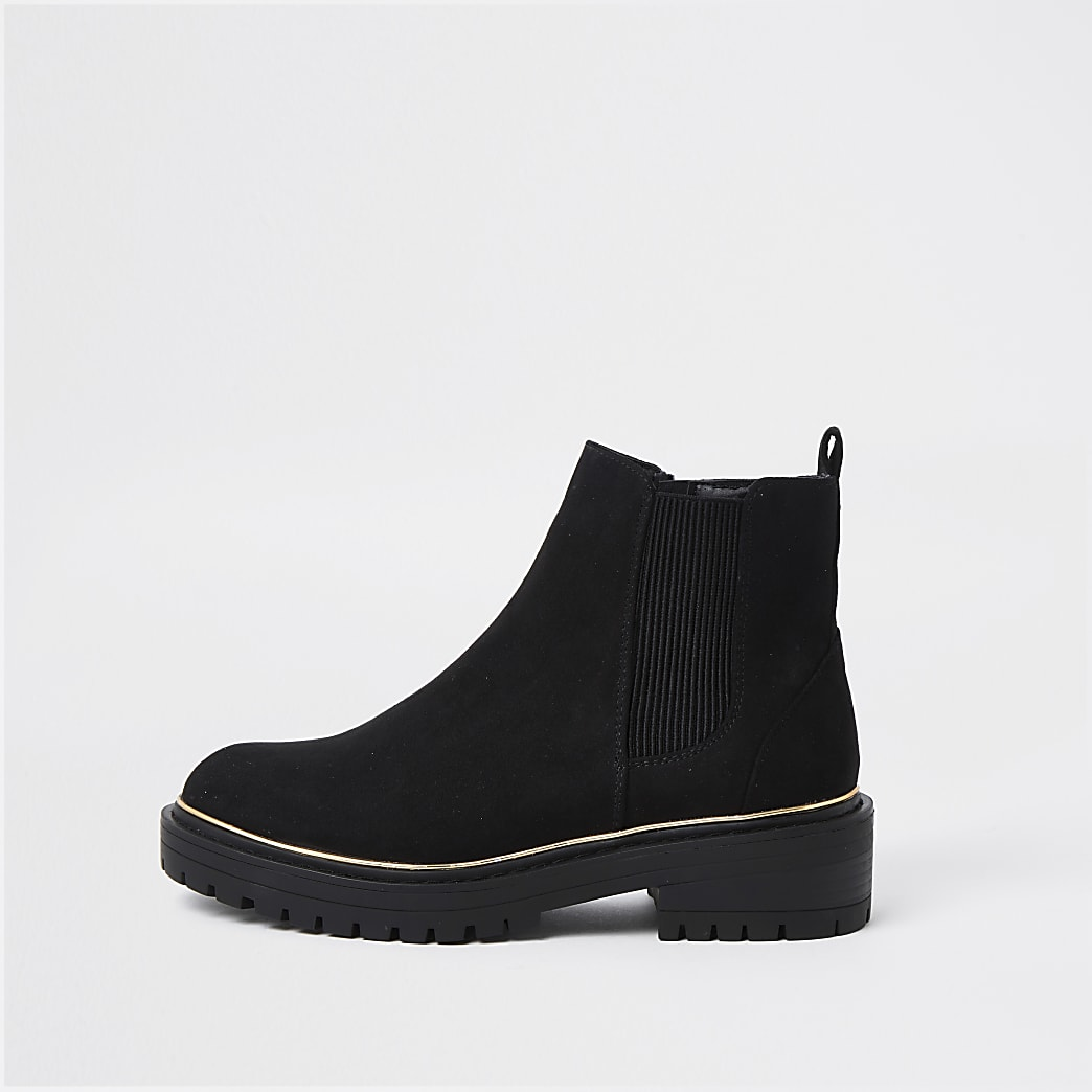 Black flat chunky chelsea ankle boot
