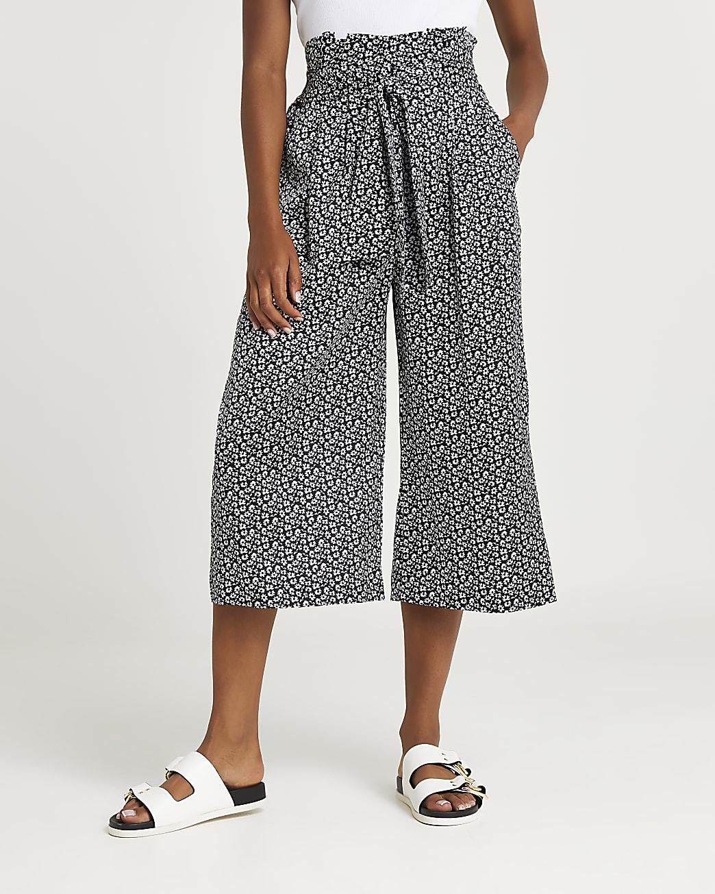 Black floral print belted culottes