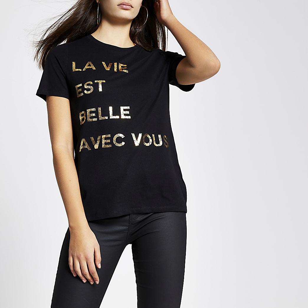 Schwarzes, kurzärmeliges, mit einer Folie bedrucktes T-Shirt