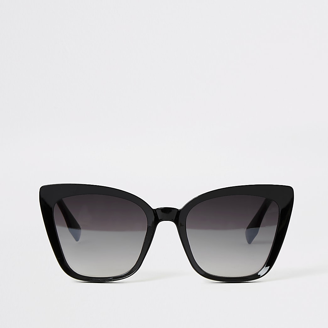 Black frame cateye sunglasses
