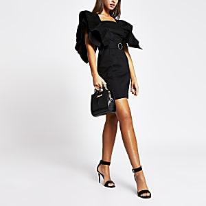 Zwarte mini-jurk met ceintuur en ruche