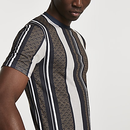 Black geometric stripe muscle fit t-shirt