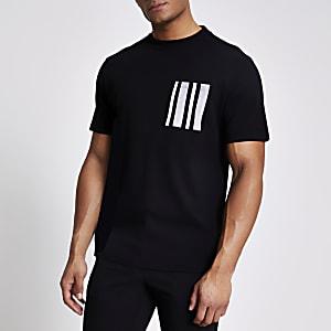 Schwarzes T-Shirt mit Brusttasche mit Fischgrätmuster