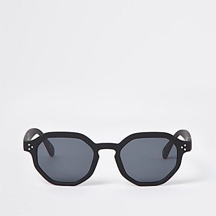 Black hexagon retro sunglasses