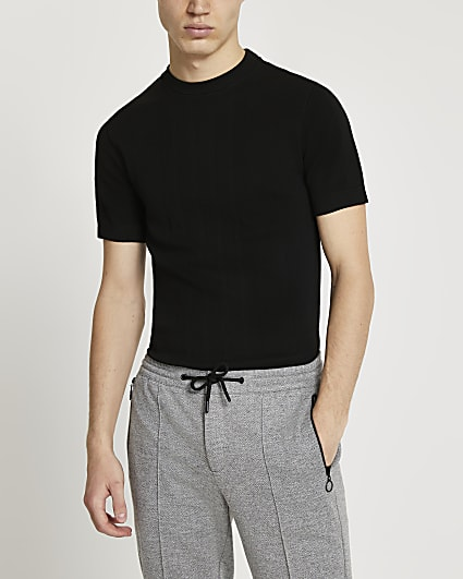 Black knitted muscle fit short sleeve t-shirt