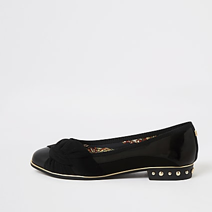 Black knot front studded shoes