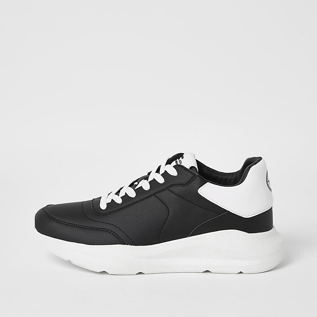Zwart stevige sneakers met vetersluiting