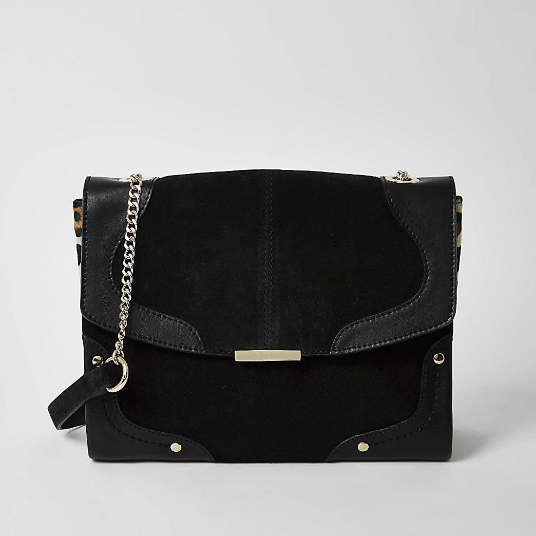 Schwarze Lederhandtasche mit seitlichem Leoprint