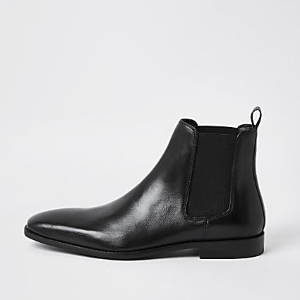 Black leather point toe chelsea boot