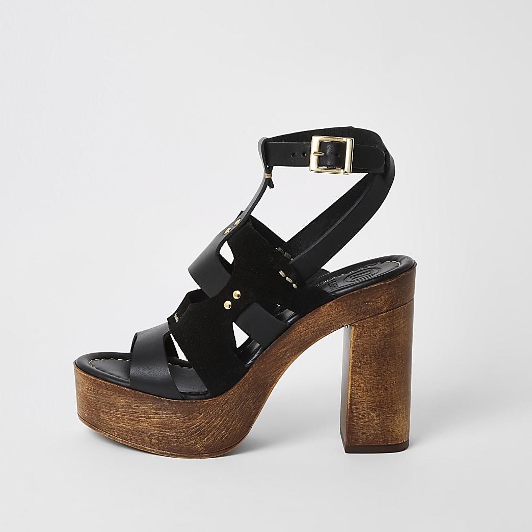 Zwarte leren sandalen met bandjes en plateauzool