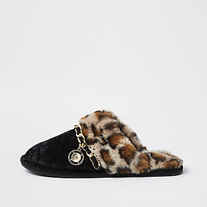 Black Leopard Print Faux Fur Slipper