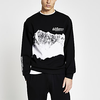 Black long sleeve mountain print sweatshirt