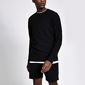 Langärmeliger Slim Fit Sweatshirt in Schwarz