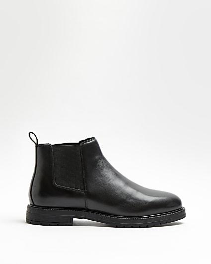 Black low chelsea boots
