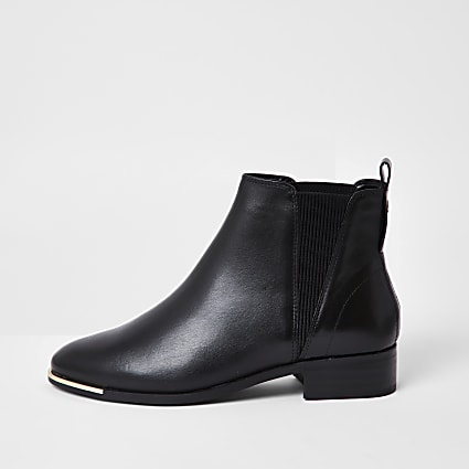 Black metal toe chelsea flat ankle boot