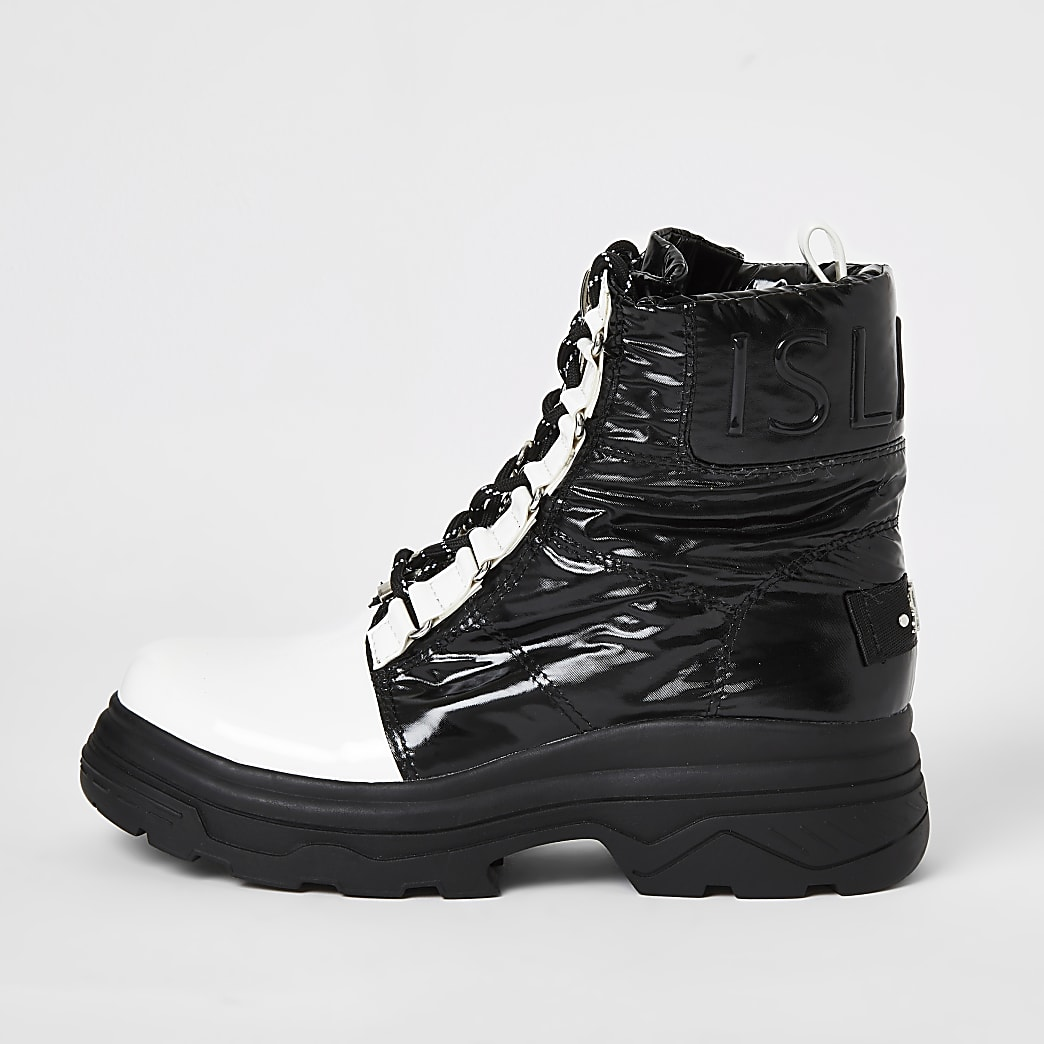 Black monochrome chunky moon boots