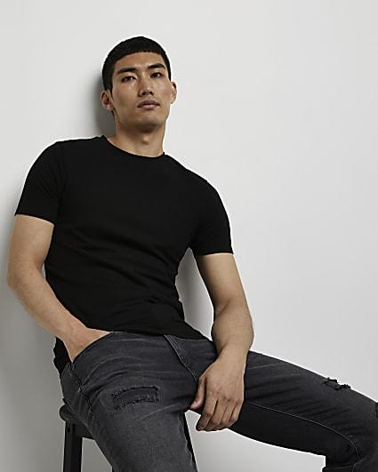 Black muscle fit t-shirt