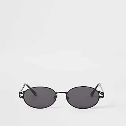 Black oval sunglasses