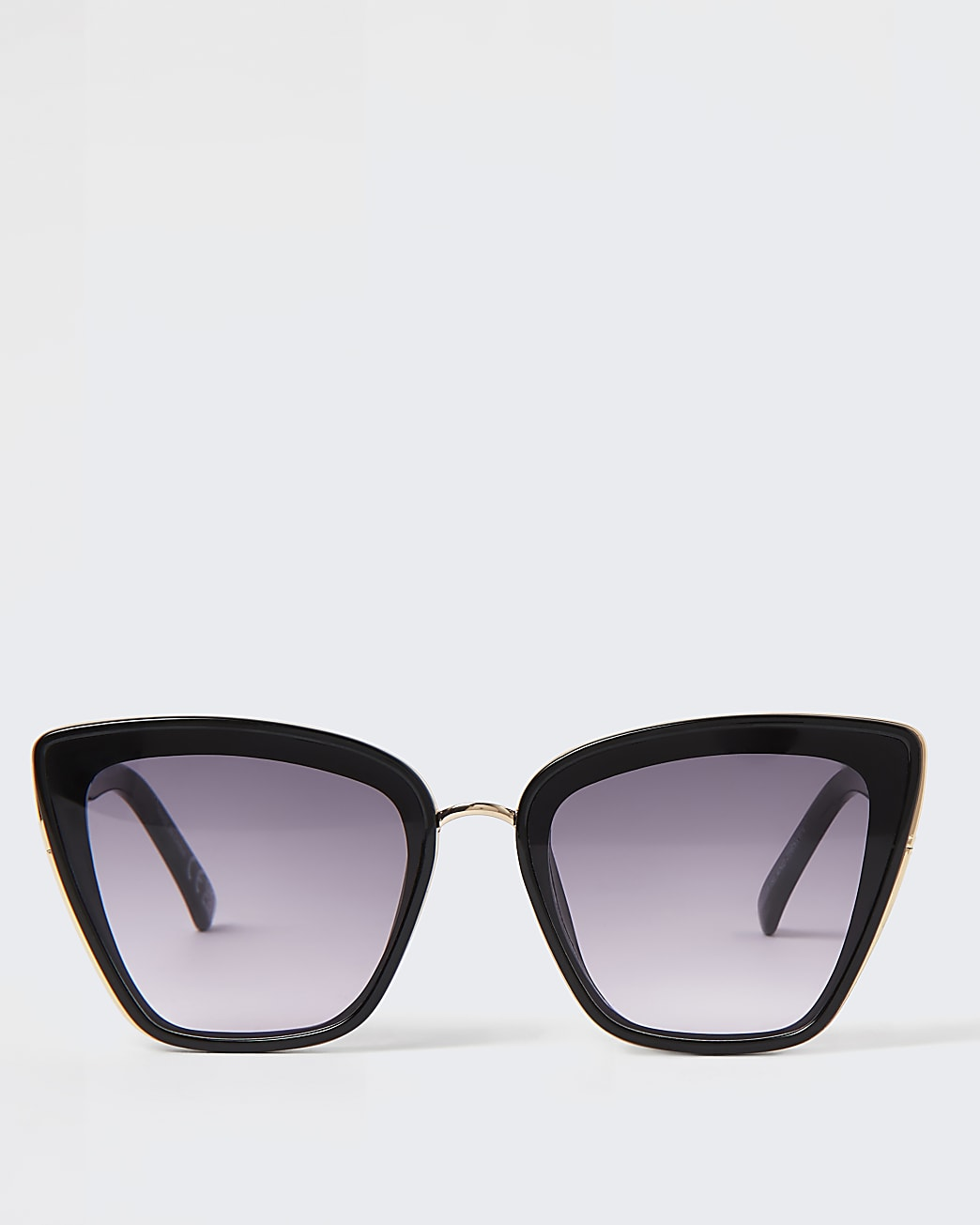 Black oversized cat eye stud sunglasses