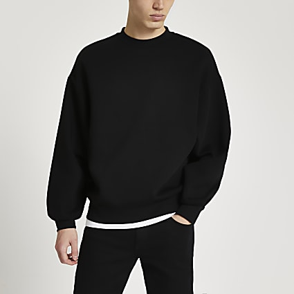 Black oversized long sleeve sweatshirt