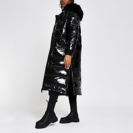 Black oversized RI puffer coat