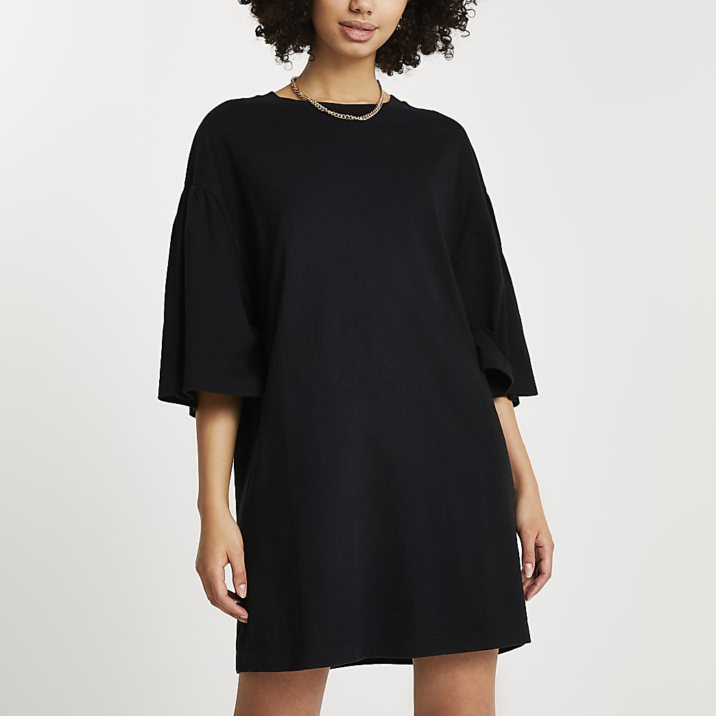 Black oversized short sleeve t-shirt dress