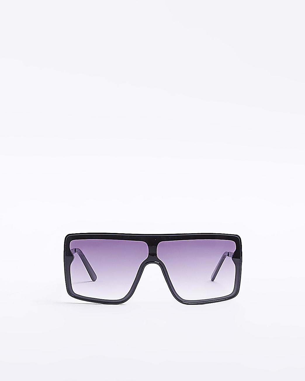 Black oversized visor sunglasses