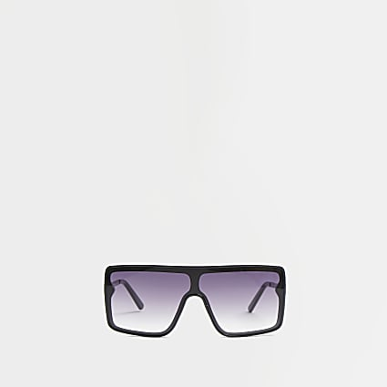 Black oversized visor sunglasses