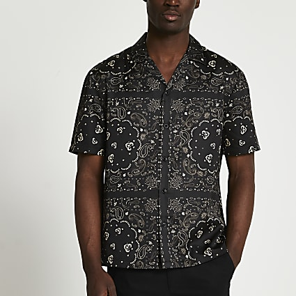 Black paisley revere short sleeve shirt
