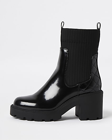 Black patent chunky pull on boots