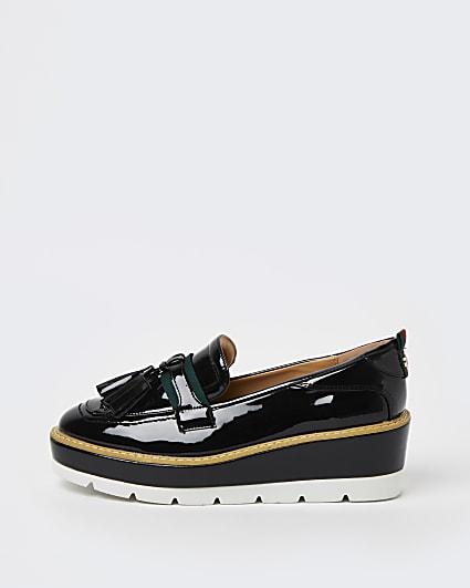 Black patent flatform loafers