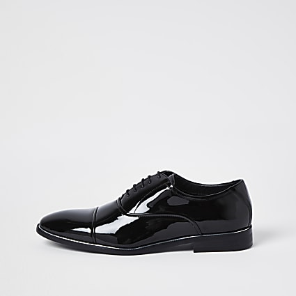 Black patent point toe shoes