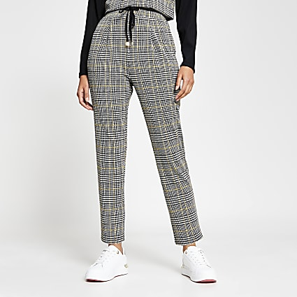 Black pleat check joggers