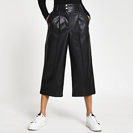 Black pleat front cullottes