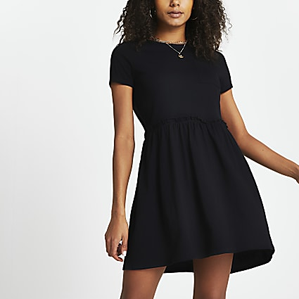 Black pocket t-shirt smock mini dress