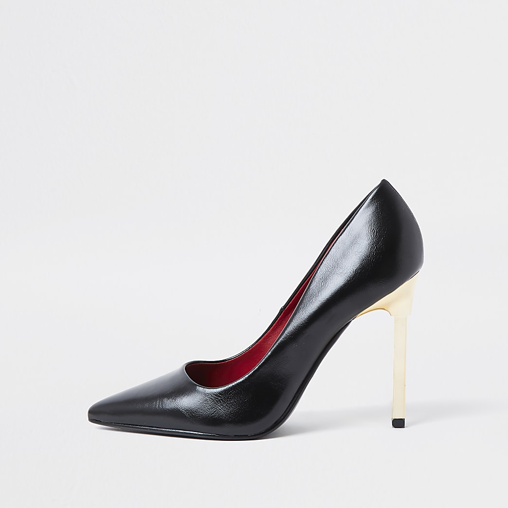 Black pointed stiletto court heel