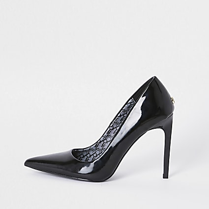 Black pointed toe patent court heels