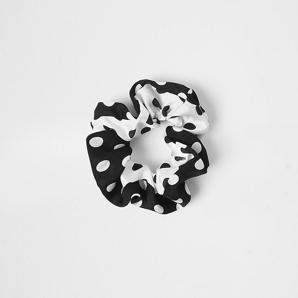 Black polka dot scrunchie
