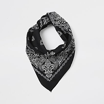 Black print bandanna