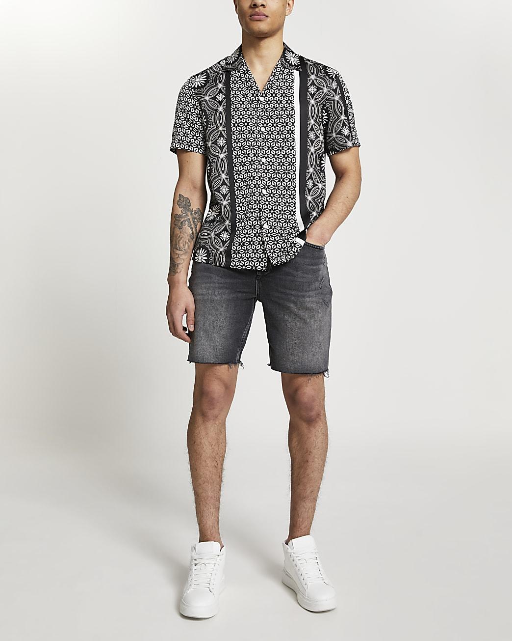 Black print revere short sleeve shirt