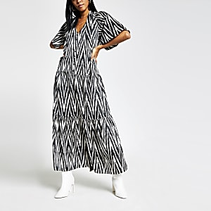 Black printed flute sleeve maxi tea dress