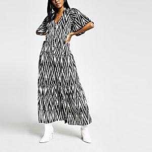 Robe longue imprimée avec manchesévasées noire