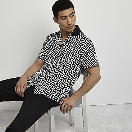 Black printed short sleeve revere shirt