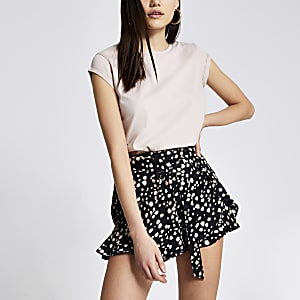 Black printed tie belted frill shorts