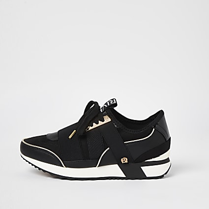 Black pull on runner trainers