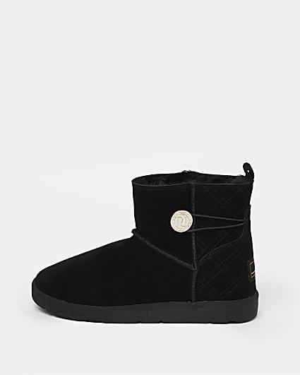 Black quilted faux fur lined boots