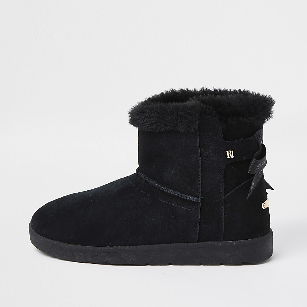 Black quilted fur lined RI boot