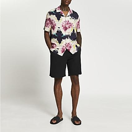 Black raw hem elasticated waist shorts