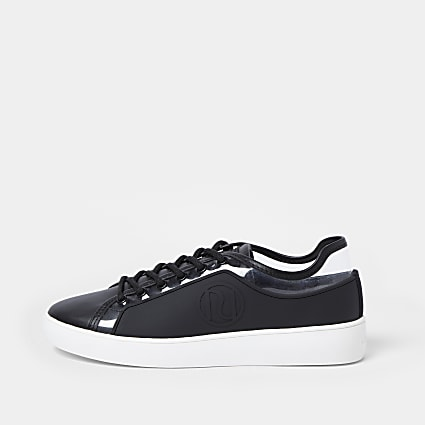 Black RI branded rubberised plimsoles