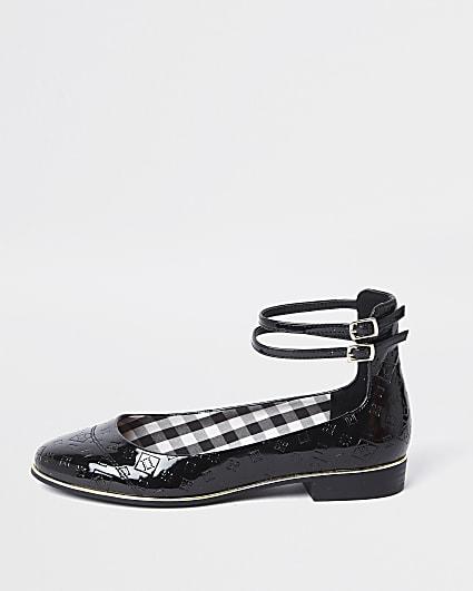 Black RI embossed ballet shoes